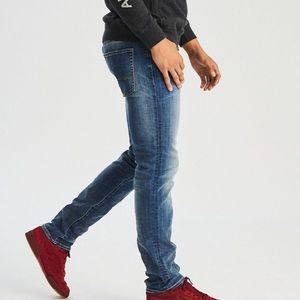 NWOT AE Next Level Flex Slim Straight Jeans